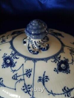 EXTREMELY RARE VINTAGE ROYAL COPENHAGEN BLUE #595 TUREEN & LID with LADEL & PLATE