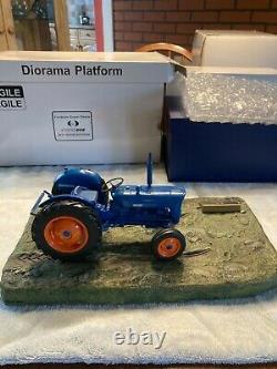 Extremely Rare 1/16 Fordson Super Dexta Tractor Ernest Doe 2011 Show Edition