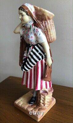 Extremely Rare @1930 Royal Doulton newhaven fishwife Figurine by Harry Fenton
