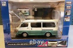 WOW EXTREMELY RARE Toyota HIACE 100 Super GL 1996 White/ Green 124 Aoshima-DISM