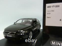 WOW EXTREMELY RARE Volvo S40 Mk2 Saloon T5 Turbo 2003 Black 143 Minichamps-V70